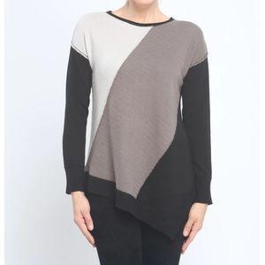 4/$25 Zoe Couture's Asymmetrical Color Block Crewn